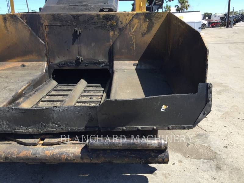 CATERPILLAR PAVIMENTADORES DE ASFALTO AP-655D equipment  photo 9