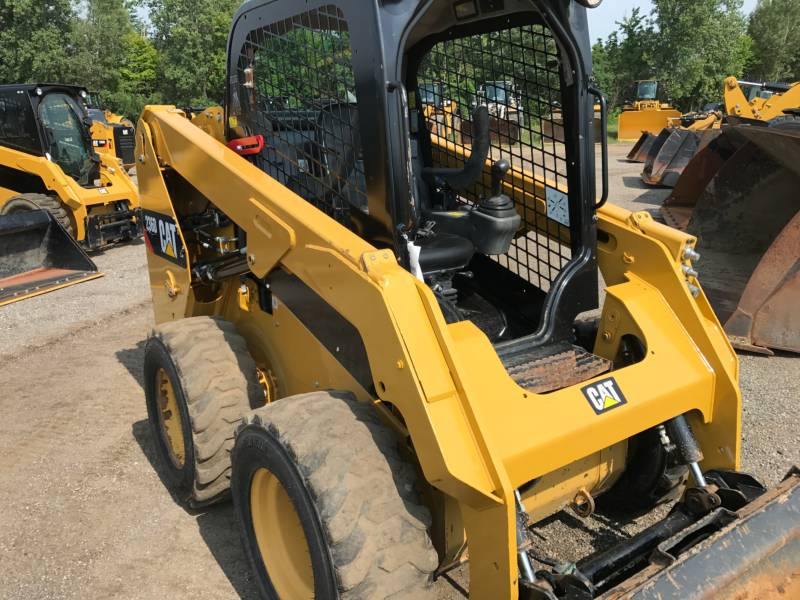 CATERPILLAR KOMPAKTLADER 236D equipment  photo 12