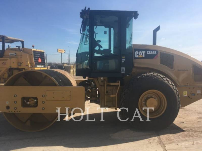 CATERPILLAR VIBRATORY SINGLE DRUM PAD CS66B CAB equipment  photo 2
