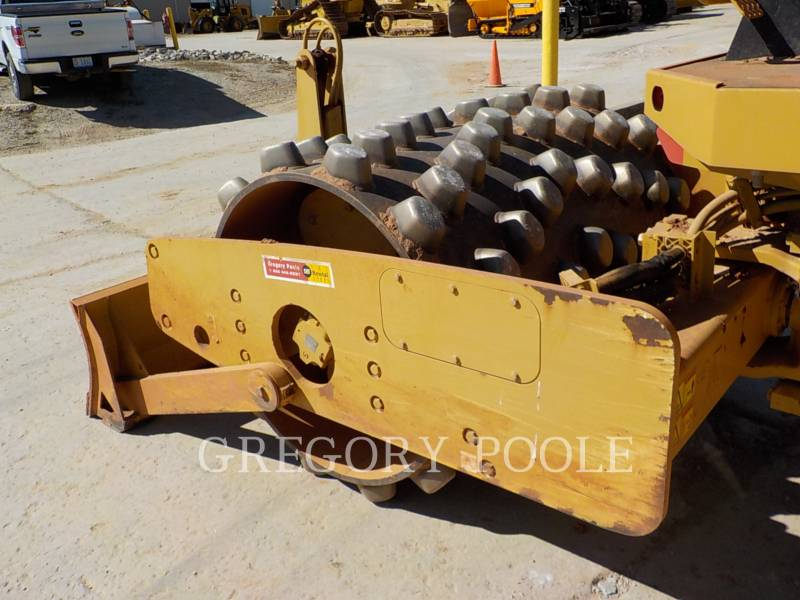 CATERPILLAR VIBRATORY SINGLE DRUM PAD CP-44 equipment  photo 15