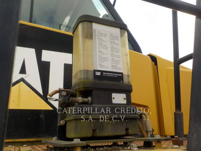 CATERPILLAR ARTICULATED TRUCKS 735B equipment  photo 22