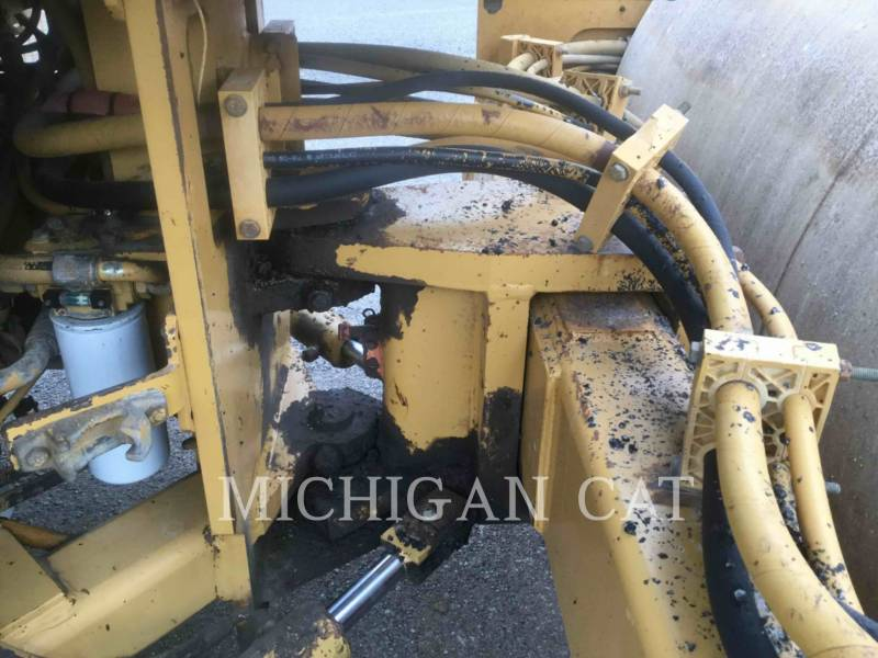 CATERPILLAR TAMBOR DOBLE VIBRATORIO ASFALTO CB-534C equipment  photo 11