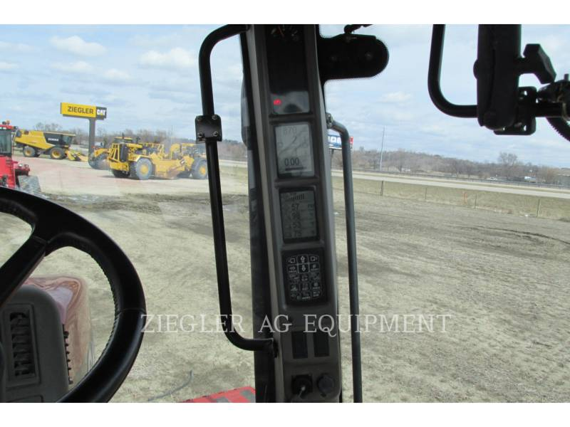 CASE/NEW HOLLAND TRACTORES AGRÍCOLAS 550QT equipment  photo 11