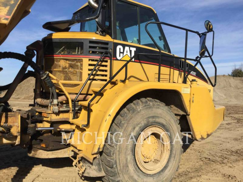 CATERPILLAR ARTICULATED TRUCKS 735 T equipment  photo 21