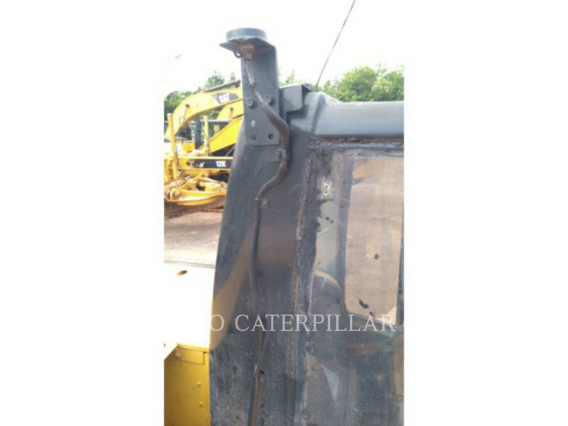 CATERPILLAR TRACK EXCAVATORS 320D2L equipment  photo 9