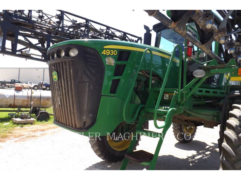 DEERE & CO. PULVERIZADOR 4930 equipment  photo 2