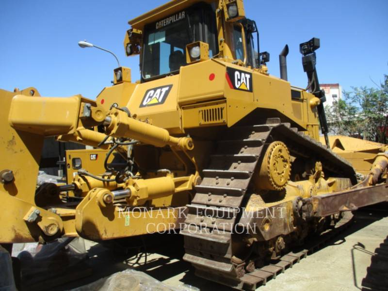 CATERPILLAR TRACTEURS SUR CHAINES D8R equipment  photo 1