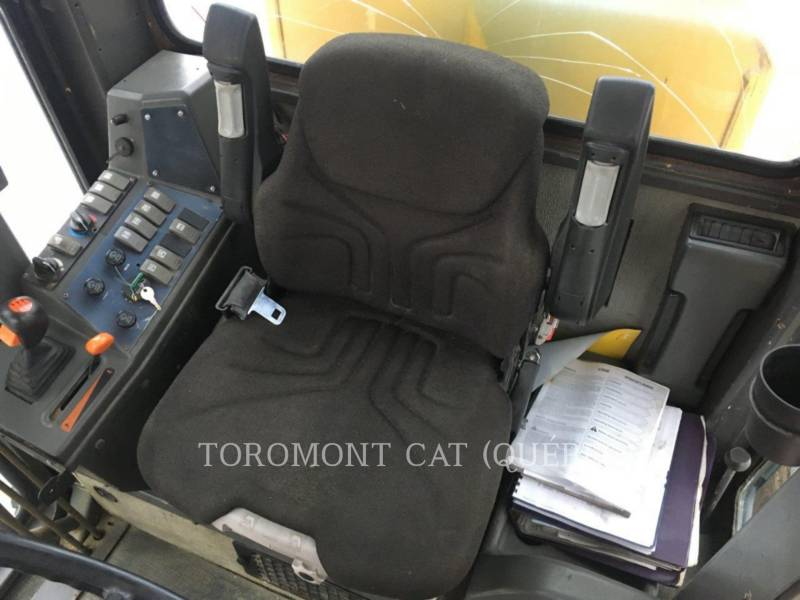 VOLVO MOTOR GRADERS G740B equipment  photo 6