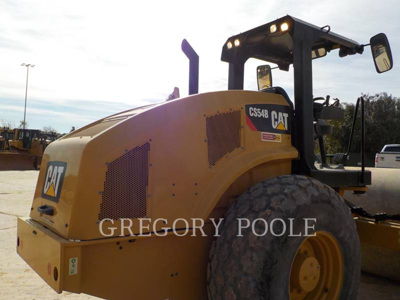 CATERPILLAR VIBRATORY SINGLE DRUM SMOOTH CS-54B equipment  photo 12