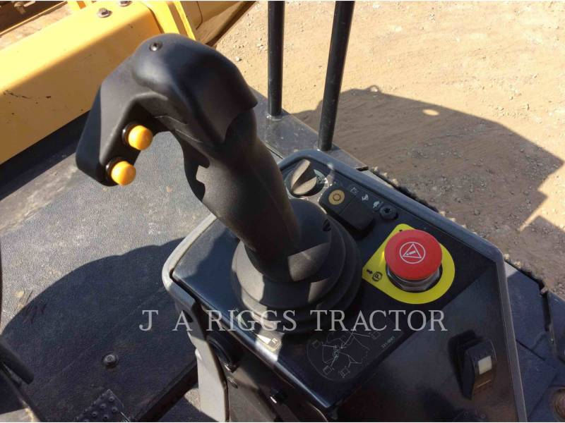 CATERPILLAR COMPACTADORES CB64 equipment  photo 13