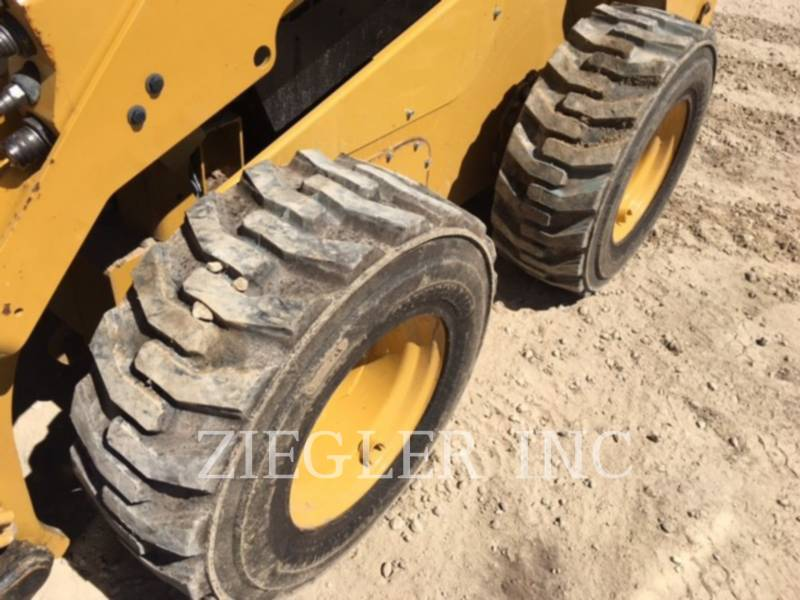 CATERPILLAR SKID STEER LOADERS 262DSR equipment  photo 6