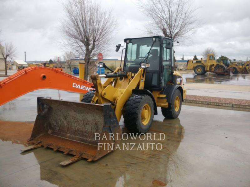 CATERPILLAR CARGADORES DE RUEDAS 907H equipment  photo 1