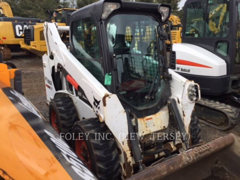 BOBCAT KOMPAKTLADER S590 equipment  photo 2