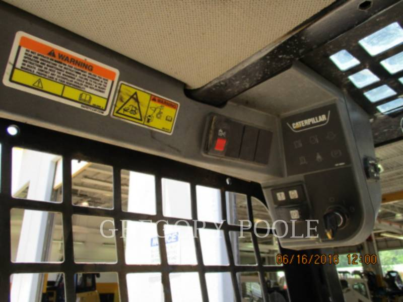 CATERPILLAR SKID STEER LOADERS 236B3 equipment  photo 10