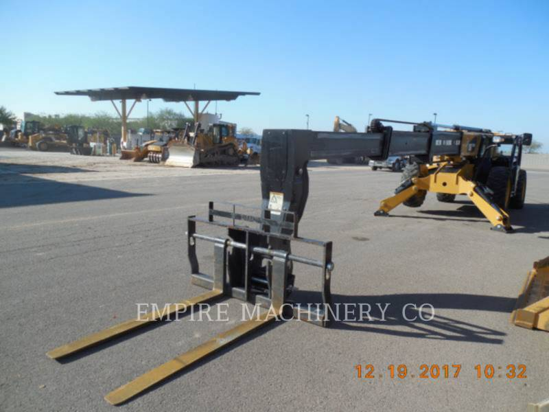 Caterpillar STIVUITOR TELESCOPIC TL1255D equipment  photo 4