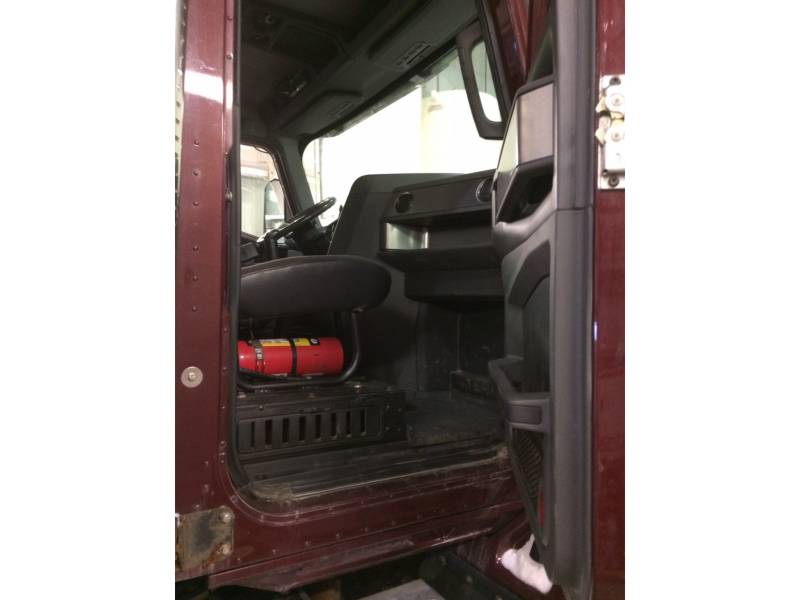CATERPILLAR CAMIONS ROUTIERS CT660 equipment  photo 17
