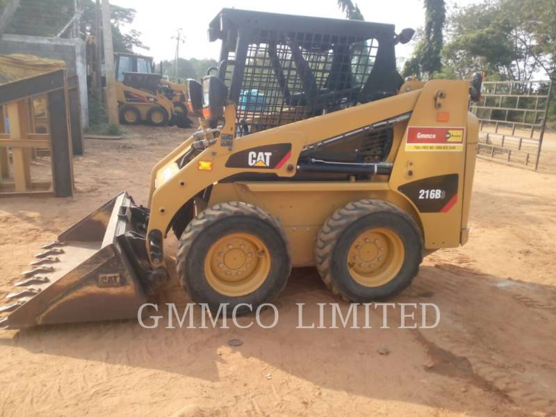 CATERPILLAR PALE COMPATTE SKID STEER 216B3LRC equipment  photo 2