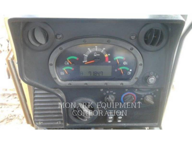 CATERPILLAR TRATTORI CINGOLATI D6R equipment  photo 9