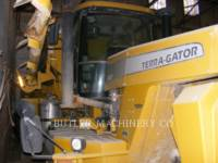 TERRA-GATOR PULVERIZADOR TG8203 equipment  photo 2