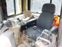 CATERPILLAR TRACK TYPE TRACTORS D6T XL equipment  photo 20