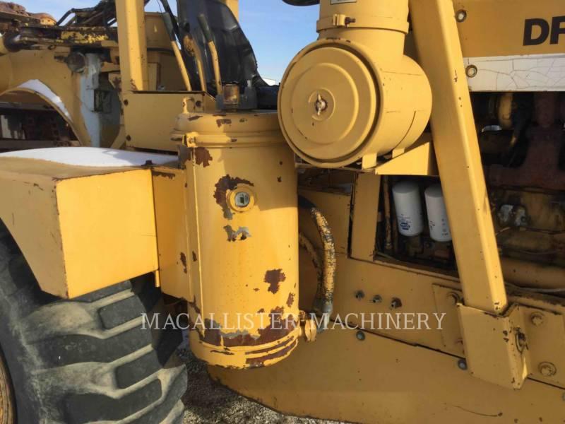 DRESSER ホイール・トラクタ・スクレーパ 412B equipment  photo 15