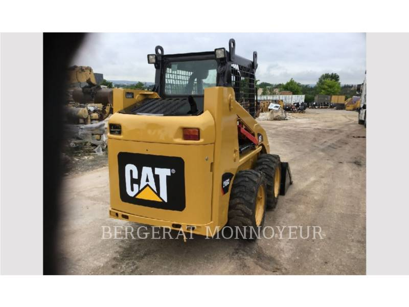 CATERPILLAR KOMPAKTLADER 216B3 equipment  photo 4