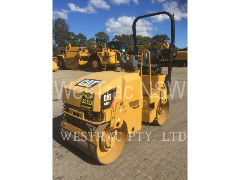CATERPILLAR COMPACTEURS TANDEMS VIBRANTS CB22 equipment  photo 1