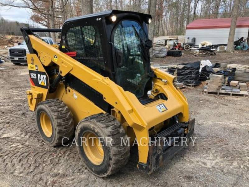 CATERPILLAR KOMPAKTLADER 262D equipment  photo 1