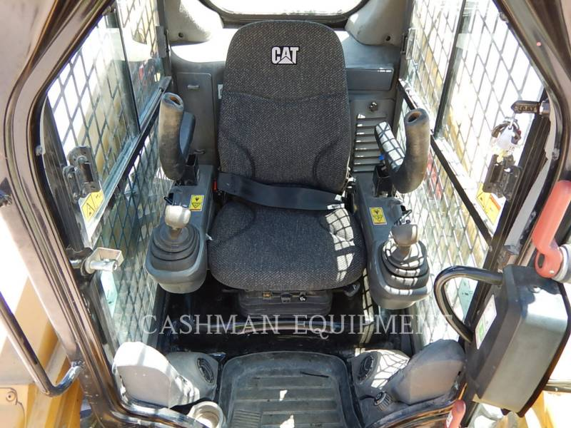 CATERPILLAR MINICARGADORAS 246D equipment  photo 12