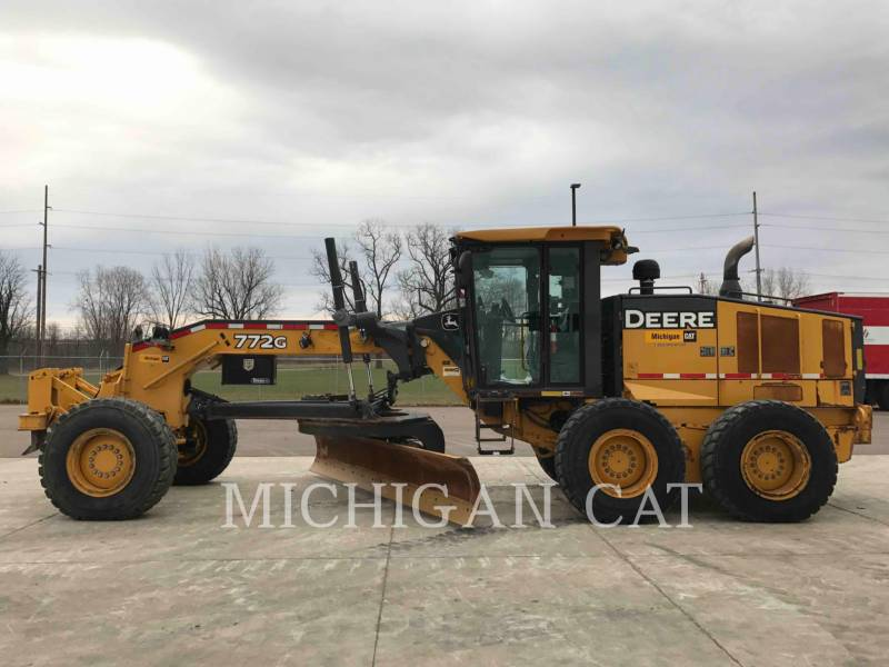 JOHN DEERE MOTOR GRADERS 772G equipment  photo 7