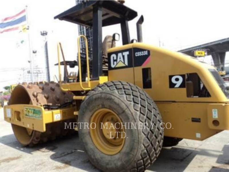 CATERPILLAR VIBRATORY SINGLE DRUM SMOOTH CS-533E equipment  photo 6