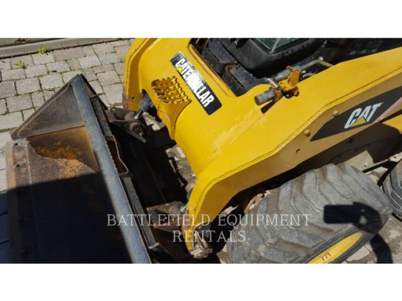 CATERPILLAR PALE COMPATTE SKID STEER 252B2 equipment  photo 8