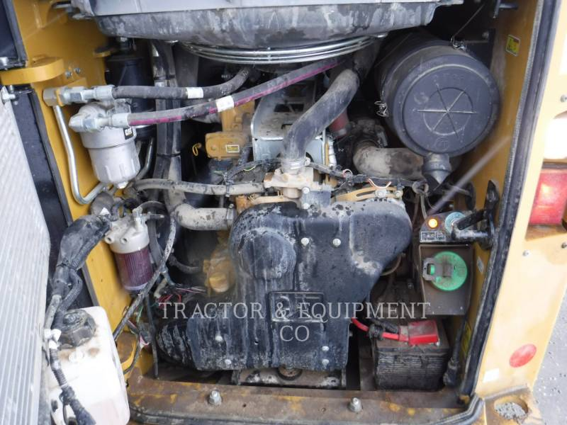 CATERPILLAR SKID STEER LOADERS 272D2 H2CB equipment  photo 9