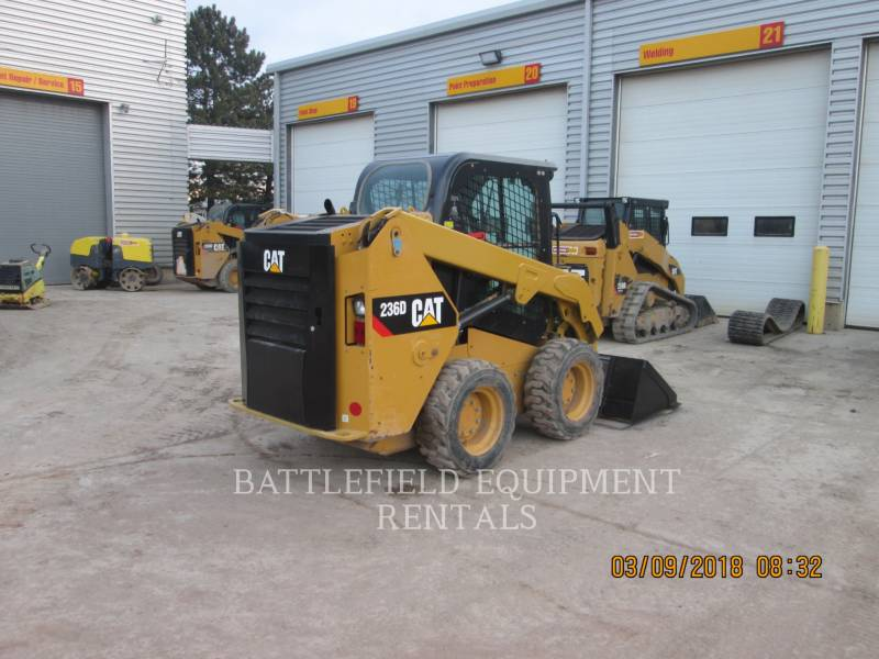 CATERPILLAR KOMPAKTLADER 236D equipment  photo 4