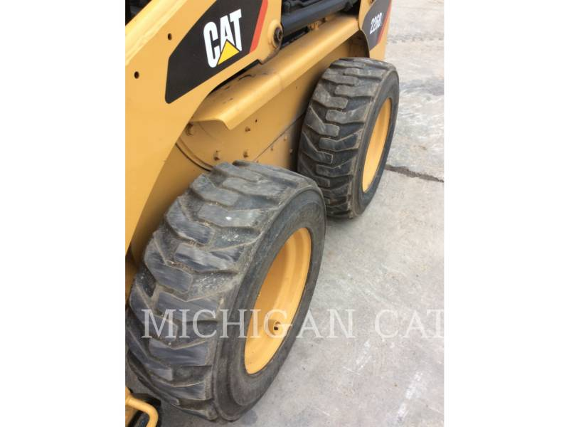 CATERPILLAR SKID STEER LOADERS 226B2 equipment  photo 11