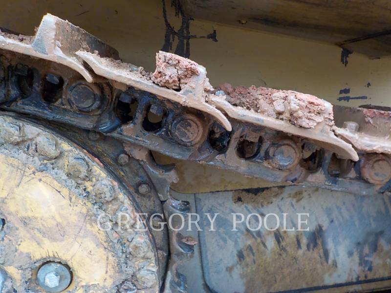 CATERPILLAR TRACK TYPE TRACTORS D6T XL equipment  photo 19