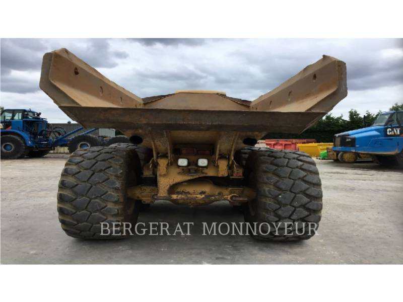 CATERPILLAR DUMPER ARTICOLATI 725 equipment  photo 8