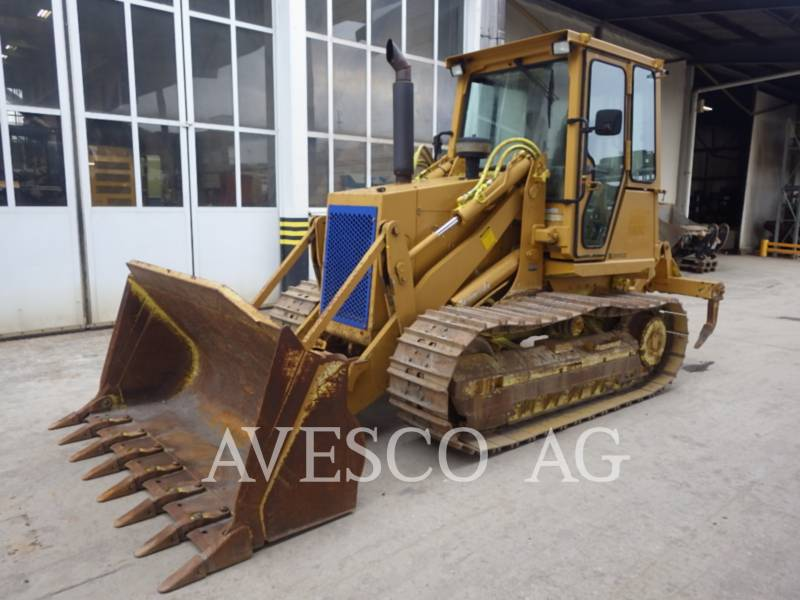 CATERPILLAR CHARGEURS SUR CHAINES 939C HST equipment  photo 1