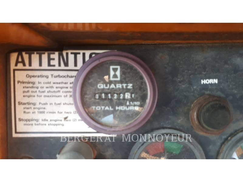 CASE TRACK TYPE TRACTORS 1450B equipment  photo 8