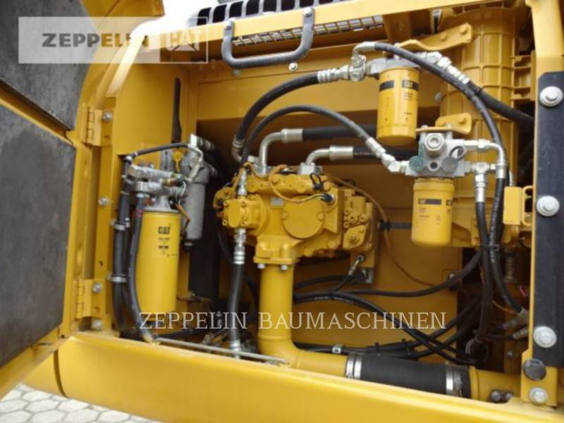 CATERPILLAR ESCAVATORI CINGOLATI 329D2L equipment  photo 12
