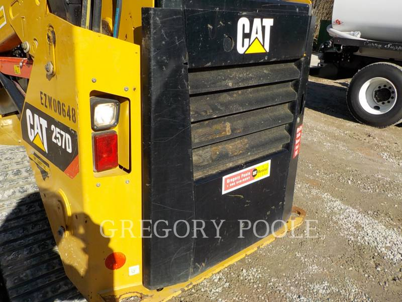CATERPILLAR MULTITERREINLADERS 257D equipment  photo 13