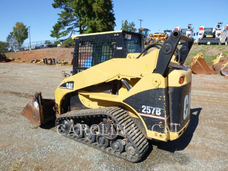 CATERPILLAR CHARGEURS SUR CHAINES 257B equipment  photo 2