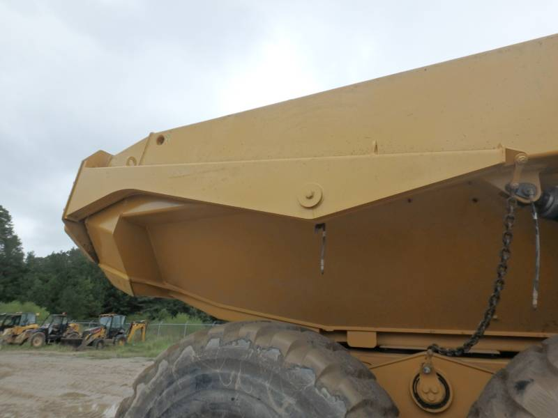 CATERPILLAR DUMPER ARTICOLATI 740B equipment  photo 20