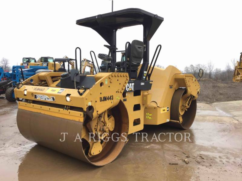 Caterpillar COMPACTOARE CB64 equipment  photo 1