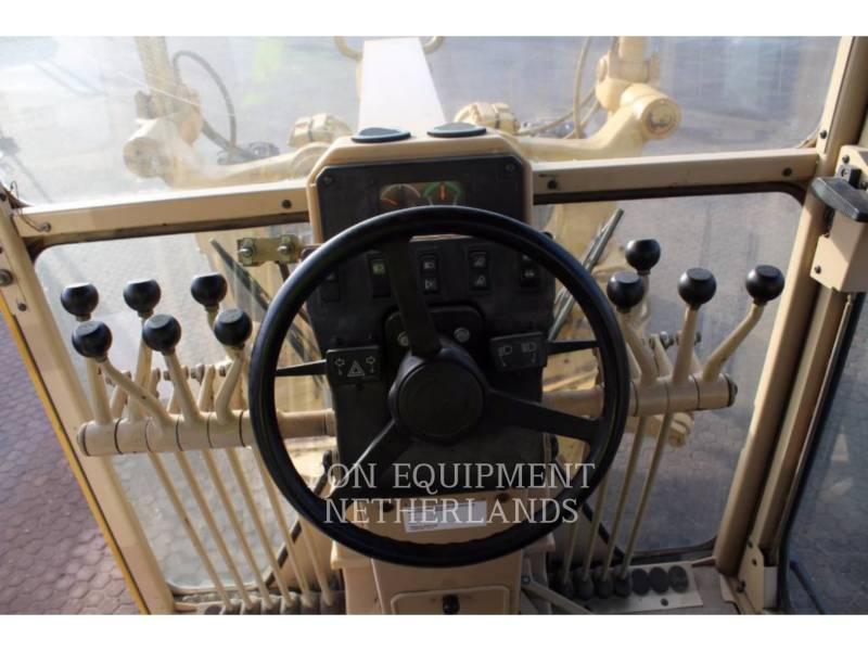 CATERPILLAR MOTOR GRADERS 140H equipment  photo 9