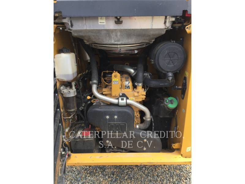 CATERPILLAR SKID STEER LOADERS 246DLRC equipment  photo 15