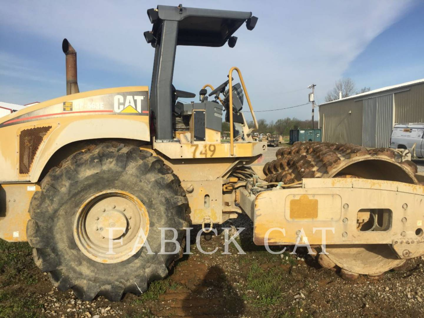 Detail photo of 2004 Caterpillar CP-563E from Construction Equipment Guide