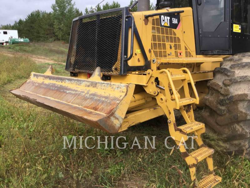 CATERPILLAR FORESTAL - TRANSPORTADOR DE TRONCOS 584 equipment  photo 11