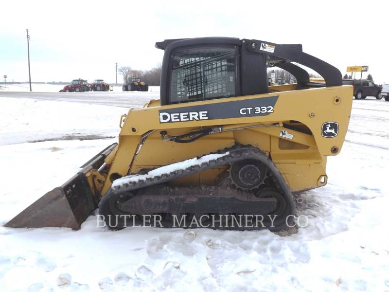 DEERE & CO. KOMPAKTLADER CT332 equipment  photo 4
