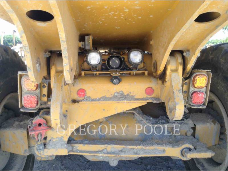 CATERPILLAR CAMIONES ARTICULADOS 725C equipment  photo 11